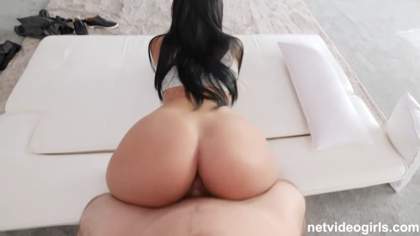 curvy brunette babe gets pounded doggystyle in porn casting